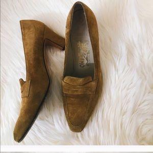 EUC FERRAGAMO heels
